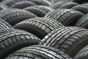 car-tyres-63928_1920 (1)